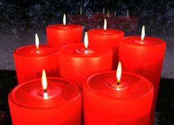 Красные восковые свечи для приворота любви